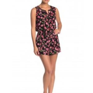 DR2 Floral Print Sleeveless Romper Button Neck